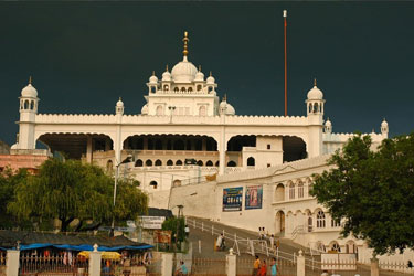 Amritsar Car Rental